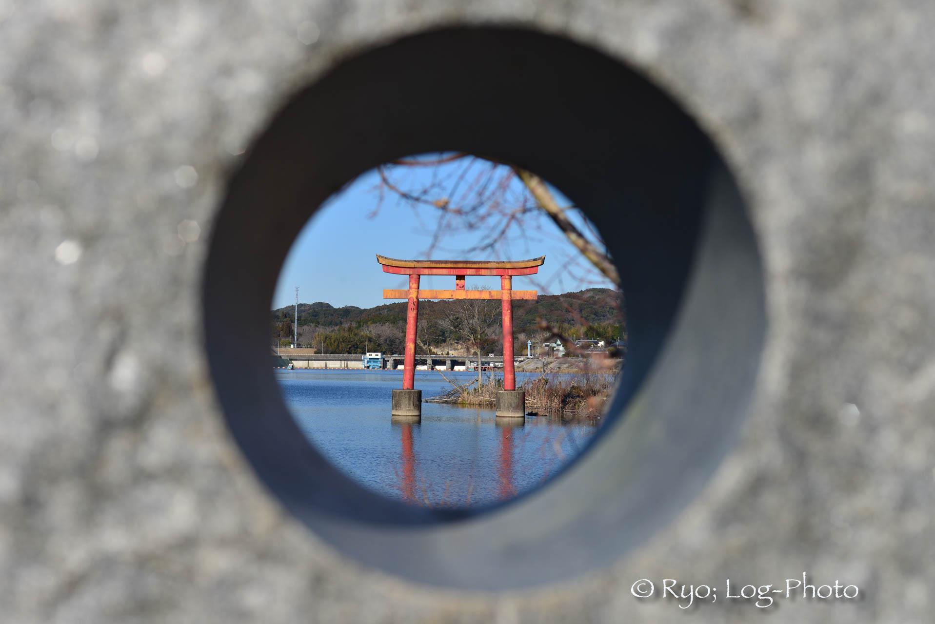 千葉県 亀山湖 鳥居