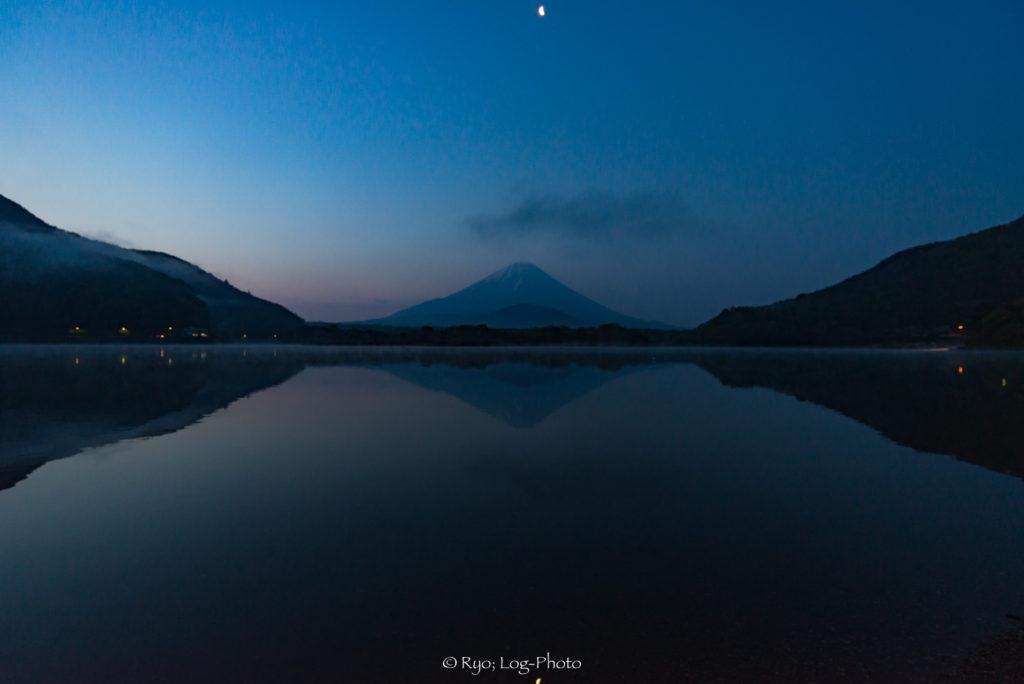 精進湖 写真 湖 富士山