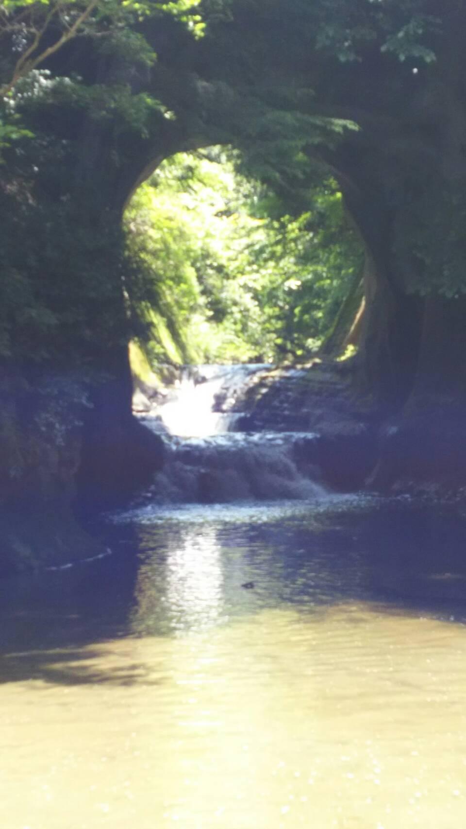 スマホで撮影 亀岩の洞窟 濃溝の滝 名前 君津市