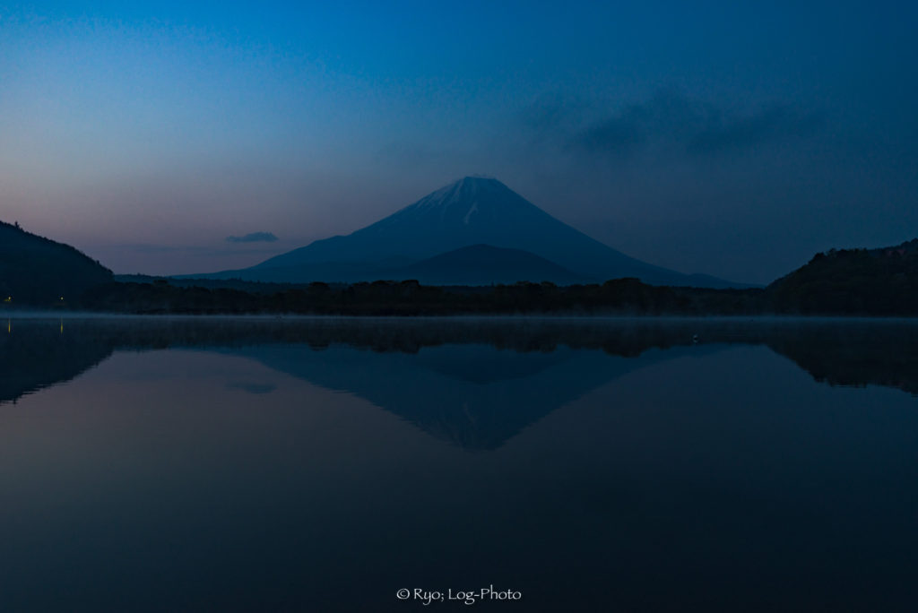逆さ富士 精進湖 写真 湖 富士山