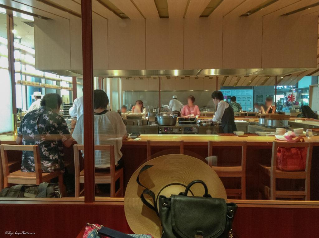 hitshinaya 羽田空港 ランチ ひとしなや どんぶり 店内