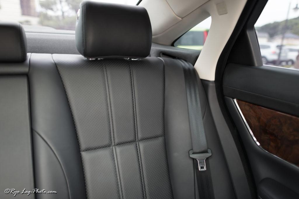 jaguar ジャガー XJ 後部座席