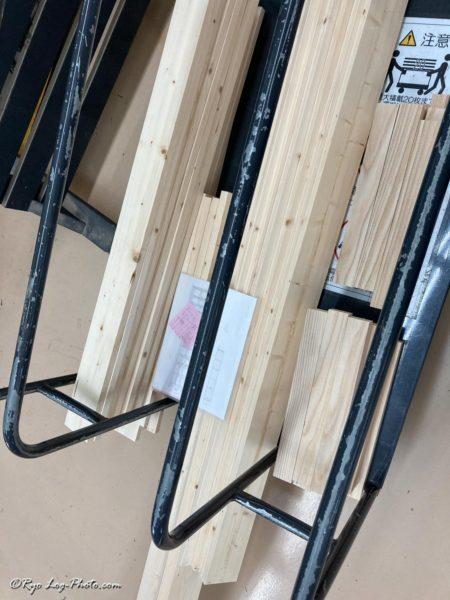 カインズ 木材カット 工作室